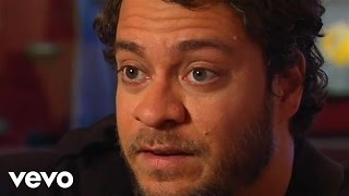 Amos Lee - Street Corner Preacher (Live From The Artists Den)