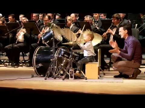 Awesome! 3-year child prodigy plays drums like a pro