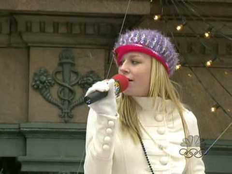 Brie Larson - Hope Has Wings (Macy*s Parade)