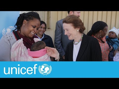 Executive Director Henrietta H. Fore meets HIV positive mothers | UNICEF