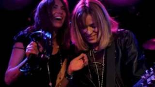 Walk Like An Egyptian/Magic Bus (Fall Church VA 5/23/09) - The Bangles   *Best In (Live) Show*