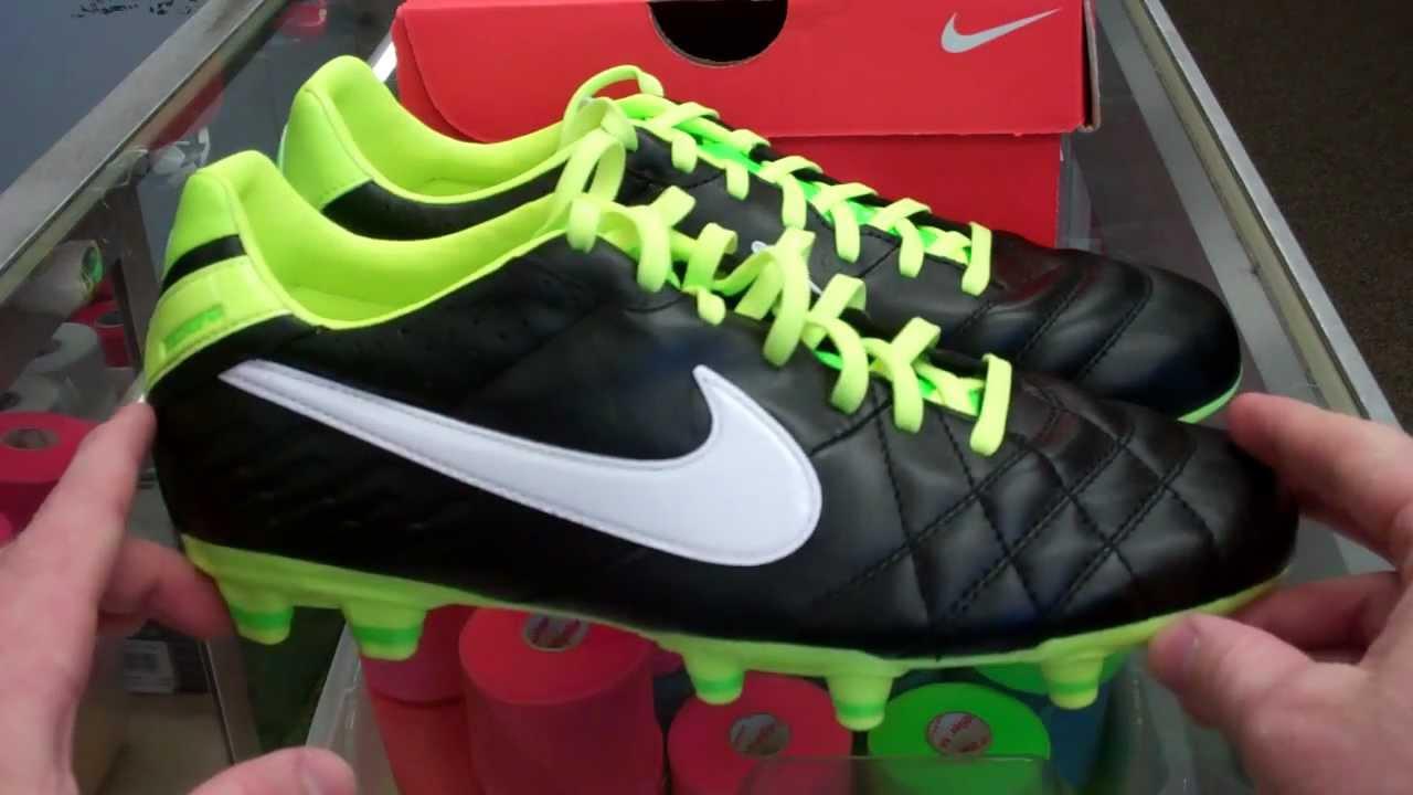 d0157eb3cadd Nike Tiempo Mystic IV (Black - White - Electric Green) - YouTube