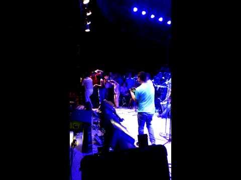 Video del Churo Díaz Y Elías Mendoza cantando 24/7 en San Juan del Cesar 2015