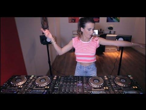 Juicy M mixing on 4 CDJs vol  123 UNBELIEVABLE!!!!