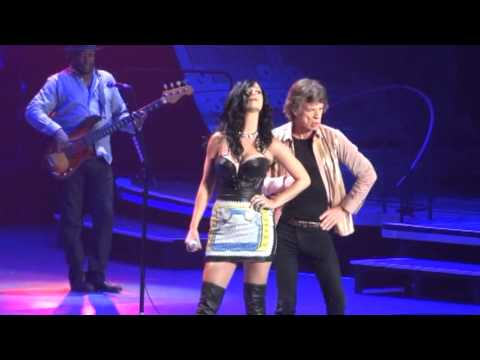 Rolling Stones 20130511 Vegas Beast of Burden with Katy Perry