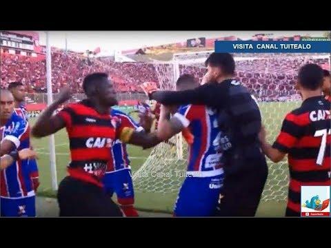 """""""Clásico de la paz"""" en Brasil entre Bahía y Vitoria termina con 10  expulsados Video 1723bc1e3bd"""