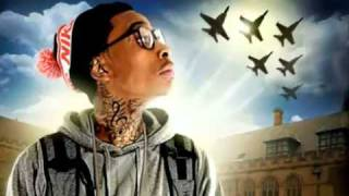 wiz khalifa ft taylor swift mean planes and taylor gangs