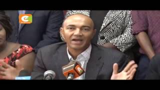 Peter Kenneth presents nomination papers at Jubilee offices