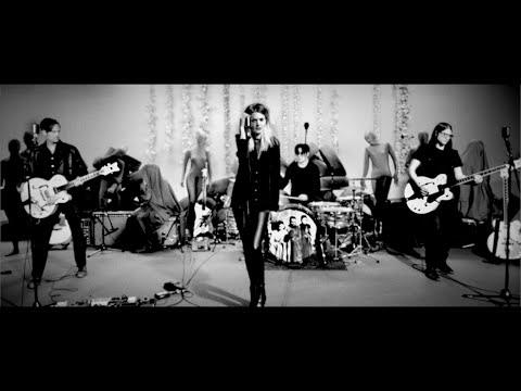 "The Dead Weather - ""Be Still"" - Live Performance Video"