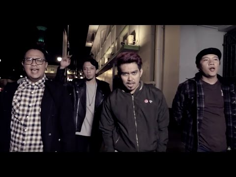 Rocket Rockers - Bersama Taklukan Dunia (Official Music Video)