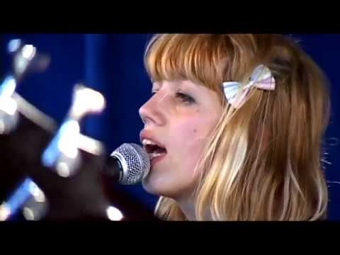 Vivian Girls live at Amoeba Music, San Francisco, 10/9/2009 mp3
