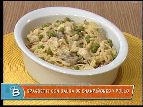 Spaguetti con salsa de champiñones y pollo
