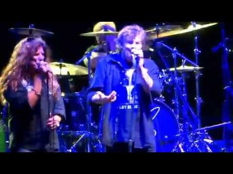 Burton Cummings--Baby Come Back (cover of Eddy Grant's Equals) at Detroit Riverfront 2015-09-05