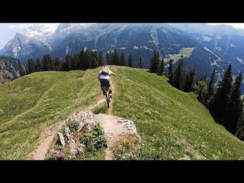 THE BEST DOWNHILL MTB TRAILS I'VE RIDDEN!!