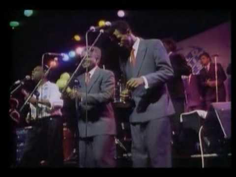 Salsa music - A great salsasong Mary by Joe Arroyo