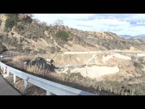 Frana strada di collegamento Aliano - Saurina (immagini senza commento)