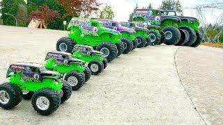 GRAVE DIGGER | MONSTER JAM | MONSTER TRUCKS | MONSTER TRUCK VIDEOS | KIDS 거대한 괴물 괴물 괴물 트럭 극단적 인 묘사