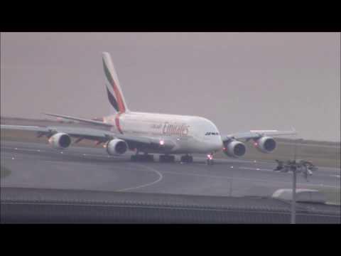 Hong Kong Airport : Plane Spotting GIANTS! A380 & 747
