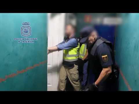 Tres mujeres liberadas y 23 detenidos en una operación en Cantabria y Vizcaya