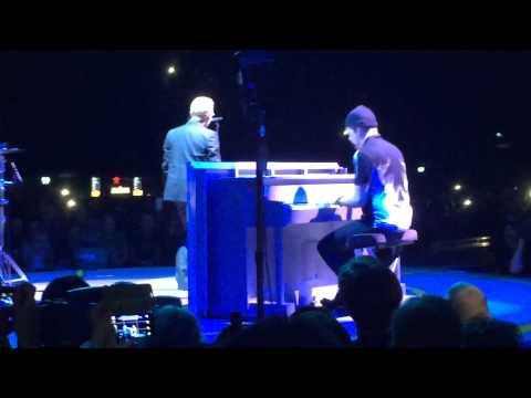 U2 - Eerbetoon aan prins Friso