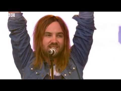 Glastonbury 2016  Tame Impala 'Let It Happen'