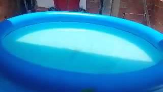 Como limpar piscina inflável sem esvaziar.