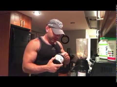 muscle-building-smoothie-recipe-for-breakfast,-post-workout-or-snack-l