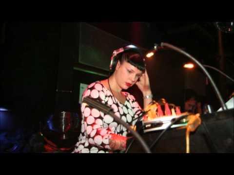 Miss Kittin - Live @ 10 Days Off 04.09.2004