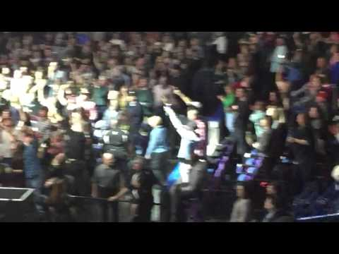 Friends In Low Places: Backup Vocals: Justin Timberlake (St. Louis 12-4-14)