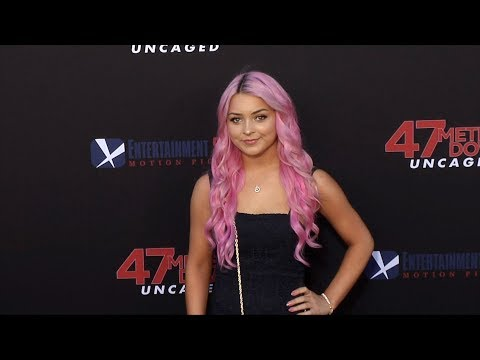 "isabella-durham-""47-meters-down:-uncaged""-premiere-red-carpet"