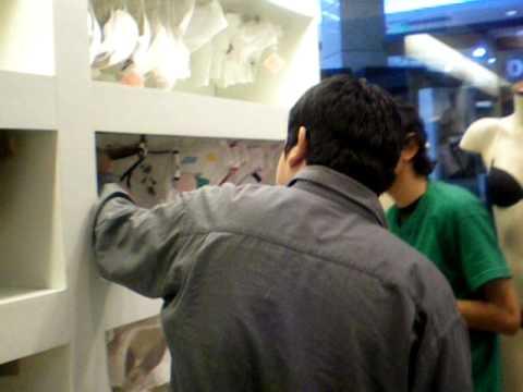f8a9779cb0 Hombres comprando lencería - Safari Dante 2009 - YouTube