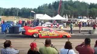 jet-car vs dragster