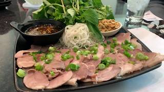 Gambar cover Delicious Giò Heo Cuốn Bánh Tráng (Spring Rolls With Cooked Pork Shank)