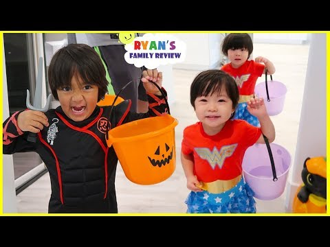 Trick Or Treat Pretend Play with Ryans Family Halloween Special!
