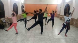 Bollywood bhangra choreography Khulke Dulke Song Befikre Ranveer Singh Vaani Kapoor