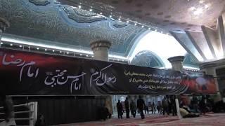 イラン、テヘラン、エマーム・ホメイニー廟内部にて