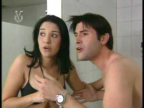 """Jonathan Montenegro con Daniela Alvarado """"Solos en un baño público""""  2006 (parte 2)"""