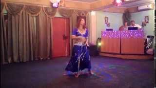 моя мама танцует ....