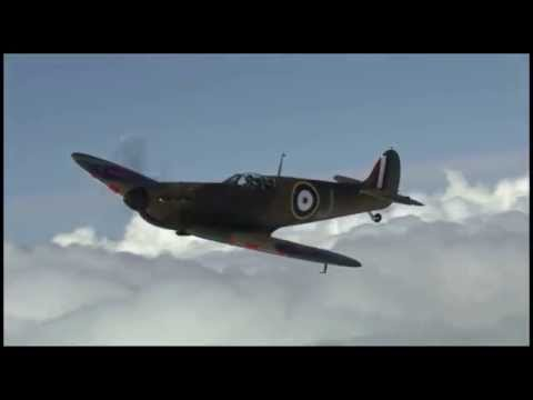 Spitfire warbird air-to-air!