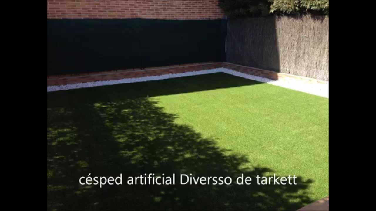 Jardines con cesped artificial gama 2014 youtube - Fotos de cesped artificial ...