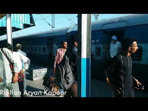 #12469 Kanpur Jammu Tawi Barfaani Express Arriving Ambala Cant Pf# 2