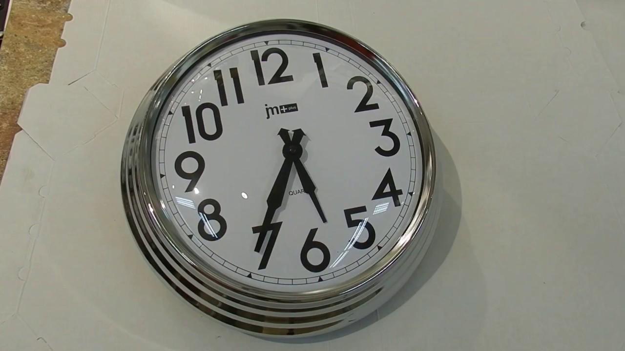 Глядя на часы, можно не только определить, который час. Большие настенные в кухне или будильник у постели — они украшают интерьер и демонстрируют ваш вкус. Если вы чувствуете, что наступило время перемен, купите часы — это просто, недорого и символично. Часы икеа · сёндрум. Настенные.