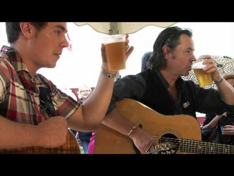 Bruce and Dylan Guthro: Carrickfergus + interview at Tønder festival