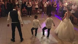 Ouverture de bal de Mariage avec les enfants - Vue de dos