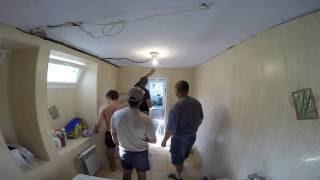 Частный дом - ремонт день #46 Купил шуруповёрт и натяжные потолки в ванной(, 2016-08-24T03:57:27.000Z)