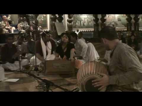 NY Eve Bhajan - Gopi Gita dasi - Hare Krishna - 3/21