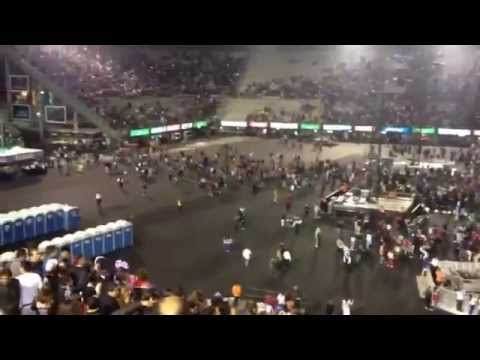 Lady Gaga plays to empty stadium in Mexico 10/26/12