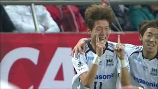 ファン ウィジョ(G大阪)がドリブルで一気にPAまで持ち込み、右足イン...