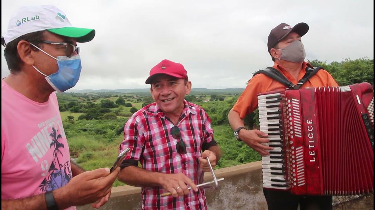 Músicos de Cedro-CE , fazem live no Açude Ubaldinho em comemoração a sua sangria .
