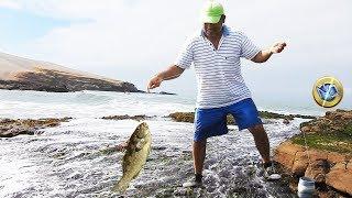 ¡Míralo aquí! Gran pesca de jerguillas grandes solo con carrete de mano, anzuelo y cangrejo